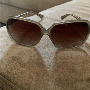 NEW LISTING! Coach Sunglases